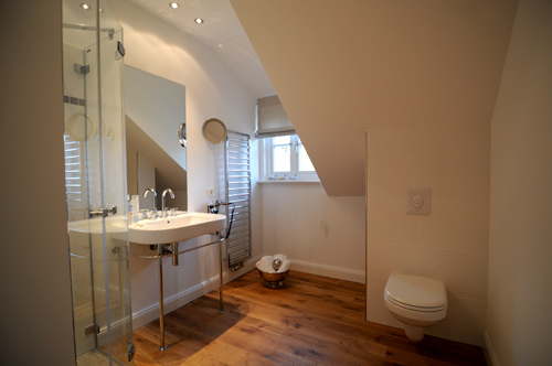 Hotel- Badezimmer: Softrenovierung, Komplettsanierung & Neubau